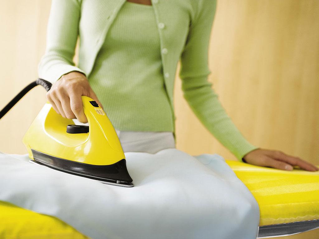 Как убрать с одежды следы «жвачки»